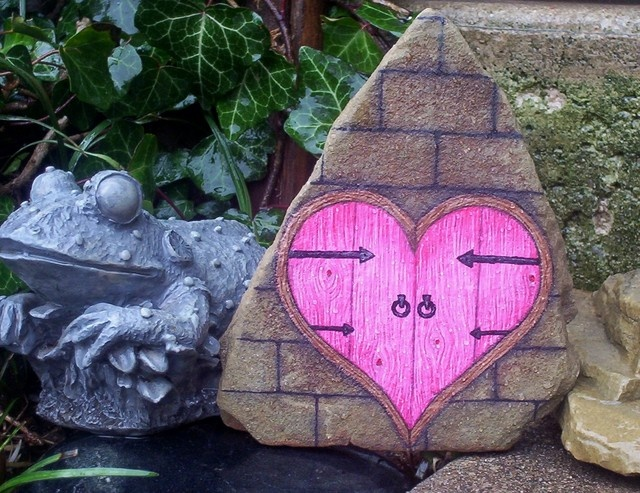 17 best ideas about hand painted rocks on pinterest rock - Painting rocks for garden what kind of paint ...