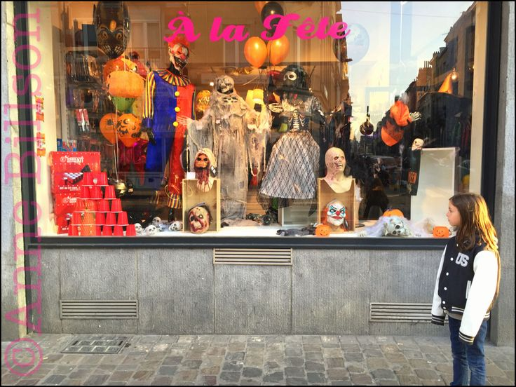 Halloween venster: Baljuwstraat, Elsene.