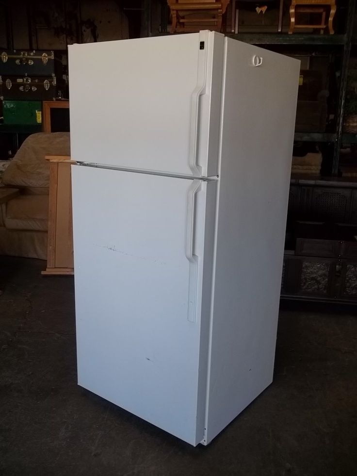 Hot point apartment size refrigerator 20344