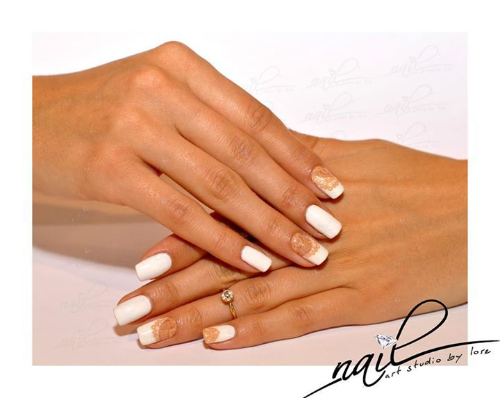 nails manicure  white lace nude