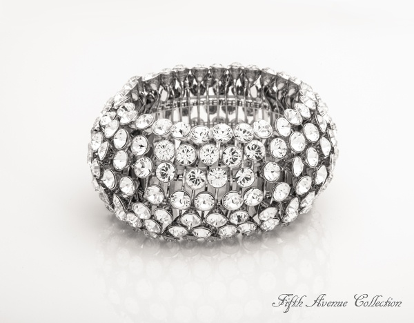 Who's that Lady thick, expansion, cuff bracelet shines with hundreds of Swarovski crystals. Comes in black and silver. #cuff #bracelet #silver #jewellery #fashion #fashionjewellery #statement #piece #FifthAvenueCollection #FAC