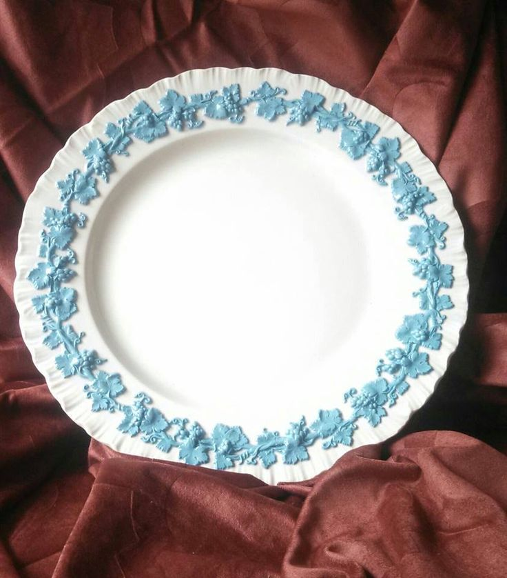 4 WEDGWOOD Queens Ware Embossed Lavender Blue w White Cream Dinner Plates  #Wedgwood