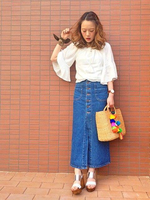 ガーリーシャツ×デニムロングスカート