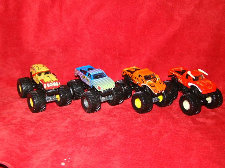 #transformer hot wheels monster jam monster truck lot of 4 1:64 monster truck