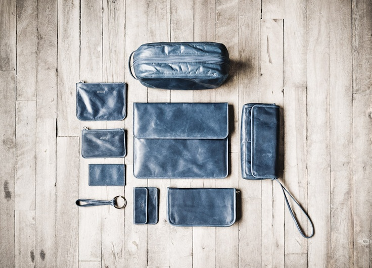 #m0851, 25 years | Leather Flat Pouche aalwa12, Small Leather Flat Pouche aalwa11, Leather Card Holder aalch10, Loop Key Chain aalcl06, Leather Travel Pouche aalpo26, Leather Ipad cover with flap aalip36, Leather Card holder aalch30, Leather Zipper Wallet aalwa22, Leather Purse Wallet aalpf08 | Fall 2012 / Winter 2013 www.m0851.com/home/