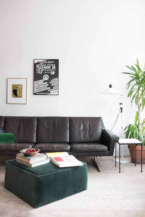 Vintage modern style means mixing in retro pieces with warm, modern accents, creating a well-composed and personal aesthetic.