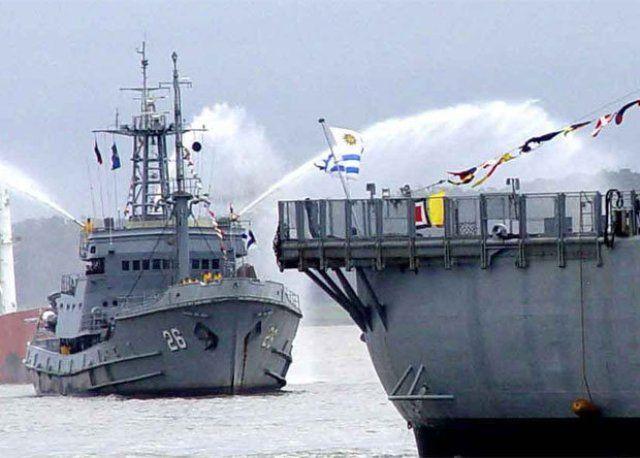 """El buque """"Vanguardia"""" de la Armada Nacional Uruguaya zarpa a la Antártida"""