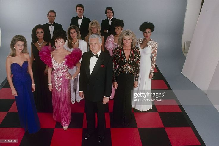 DYNASTY - 'Gallery' - Airdate on January 15, 1986. (Photo by ABC Photo Archives/ABC via Getty Images) CATHERINE OXENBERG;KATE O