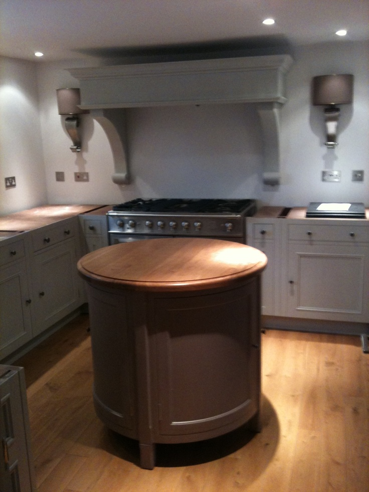 stunning Chalon kitchen fitted by Tim Gorton 07921 559974 www.kitchenfitter.co