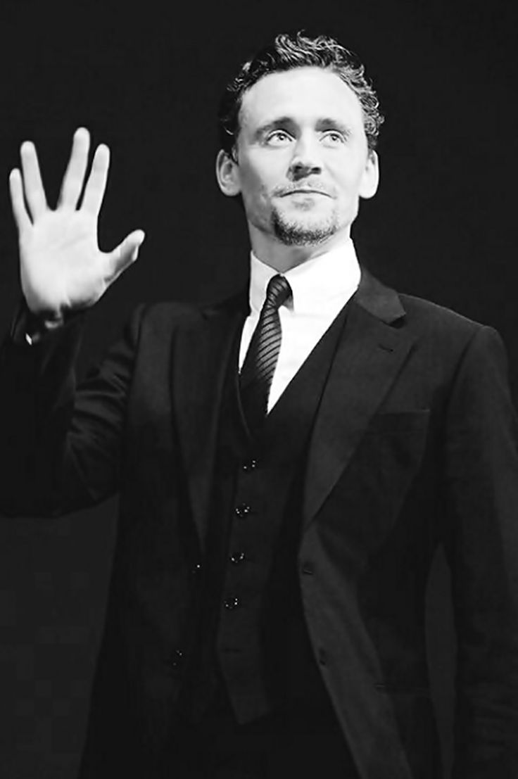 Live long and prosper. Hahhahah Star Trek is my fav series I have watched it all my life. So funny to see Mr. Hiddleston doing this hah!