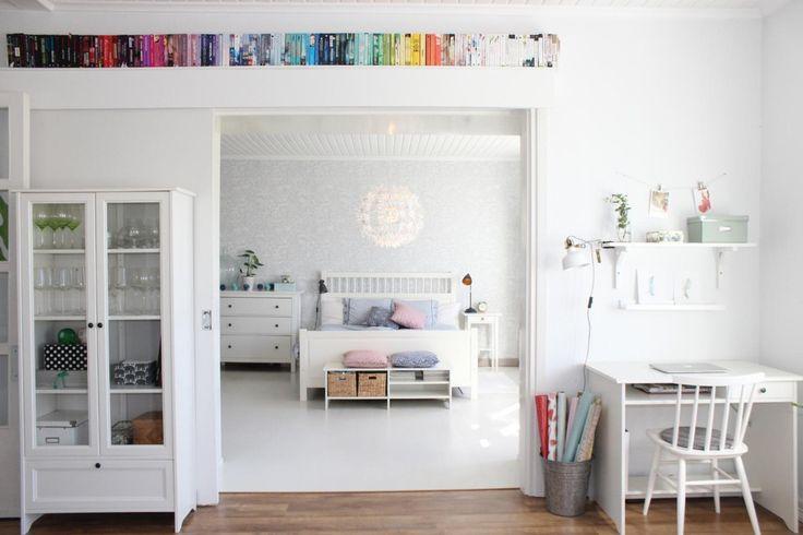 Kirjat rivissä sateenkaaren väreissä - Etuovi.com Ideat & vinkit