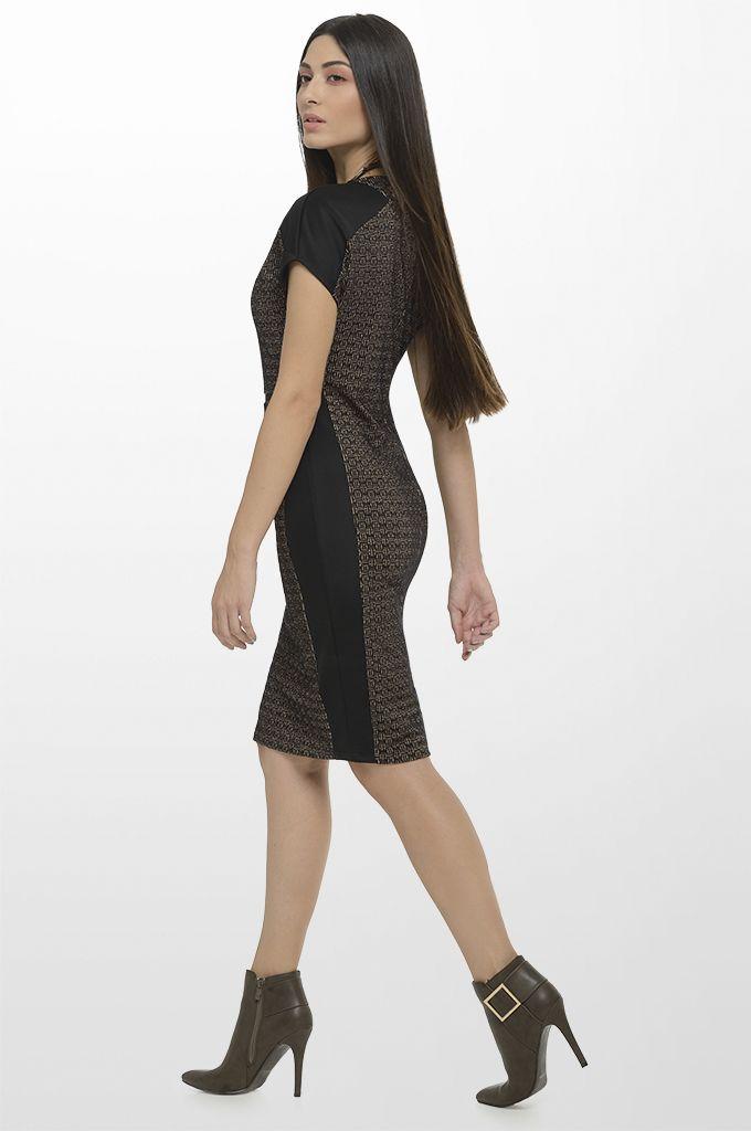 Sarah Lawrence - short sleeve jacquard dress with black trimming.