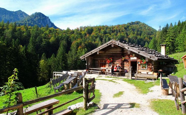 idyllic alpine cabin, Germany http://www.berchtesgadener-land.com/medien/harbacher-alm.jpg