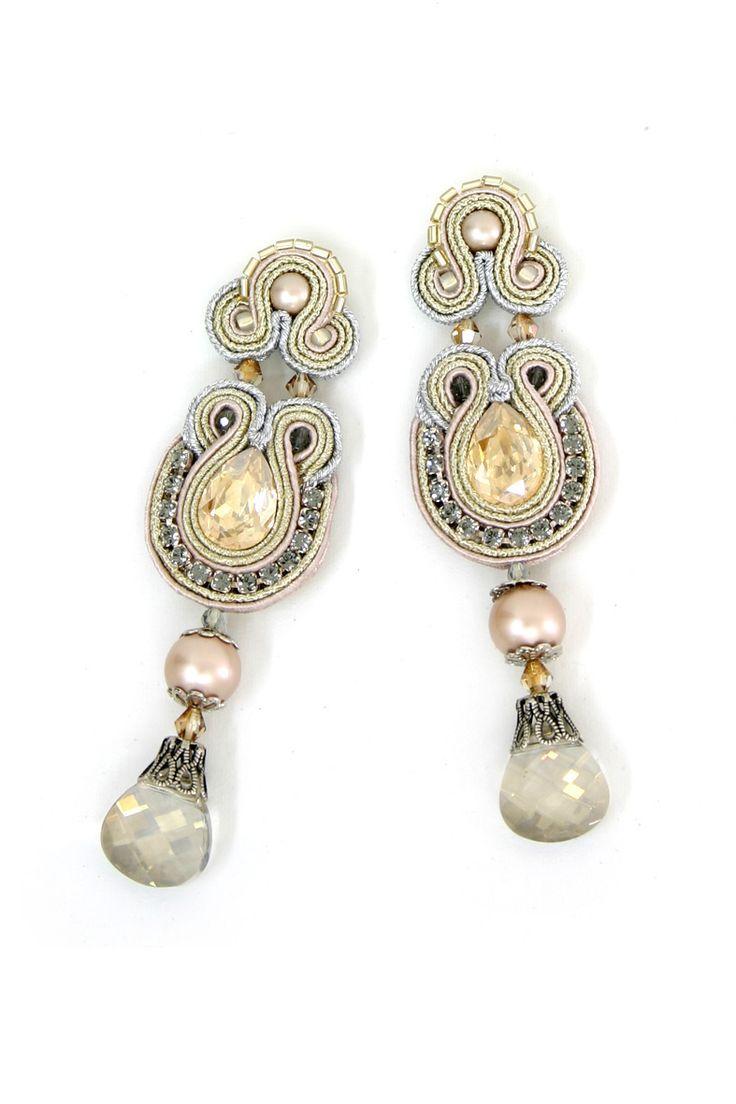 earrings : Desiree