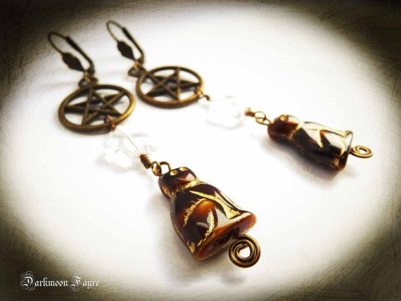 Witch's Familiar Earrings. Tortoiseshell/Tabby Cat, Bronze Pentagram & Glass Star. Shoulder Dusters. Antique Bronze Findings by Darkmoon Fayre