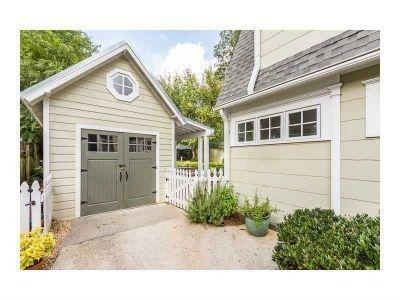 Detached garage with mini porch overhang garage for Garage fence