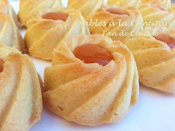 Salam alaykom, De délicieux sablé à la confiture, Un gâteau facile, rapide et économique, super fondant et délicieux. Ingrédients: 500 g de ...