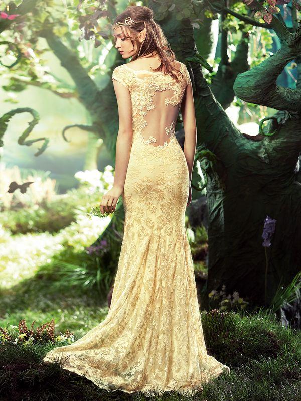 Binnenkort verkrijgbaar! Nieuwe trend in de bruidsmode; Stretch kant! Deze super mooie #trouwjurken van het merk Olvi's zijn gemaakt van prachtig stretch kant en sluiten perfect aan op het lichaam. www.bruidspaleis.nl