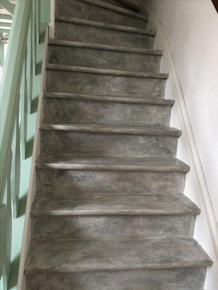 17 beste idee n over verf trap op pinterest trappen schilderen geschilderde trap en trappen - Idee deco hal met trap ...