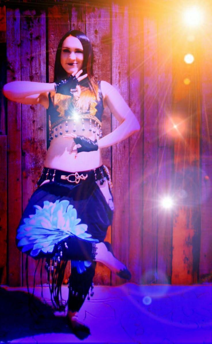 Танцовщица в стиле tribal indian trap Tata Baeva #tatabaeva tribal fusion, bellydance, wings, восточные танцы, трайбл, indian, dance, dancing, music, song, dancer tatabaeva, arab trap, современный восточный танец, трап, arabian trap, arabic, bellydance show, светодиодный костюм, светящиеся крылья, танец со светодиодами, шоу, восточный танец под электронную музыку, Tata Baeva, 2017, led dance, bollywood, индийский, идея для фото, костюм для танца Пригласить