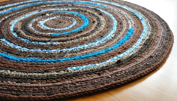 how to make a rug out of yarn