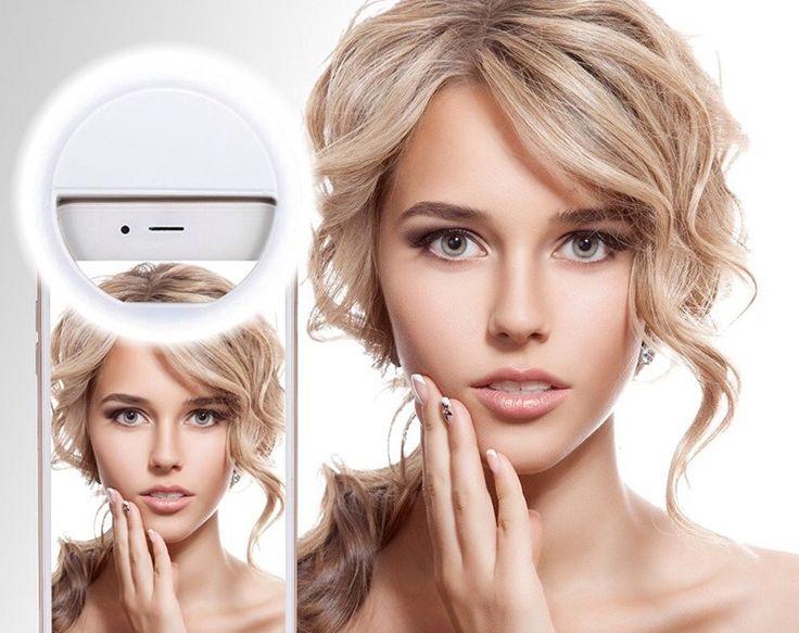 ПОРТАТИВНАЯ СЕЛФИ ЛАМПА ДЛЯ МАСТЕРОВ КРАСОТЫ  Портативная селфи лампа имеет равномерное свечение без желтизны. Она идеальна для макросъемки макияжа или маникюра. Прибор прочно крепится на телефоне. Красивый и полезный девайс оценят девушки, любящие создавать стильные селфи.    Подробнее о новиночке:   https://odiva.ru/~J3NjQ #одива #новости #новинки #ириск #selfie #beauty #irisk #odiva #instafoto #news