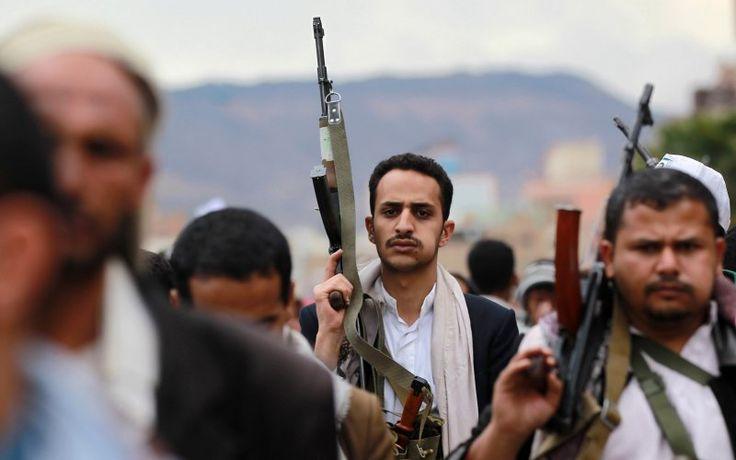 """KIBLAT.NET, Doha – Milisi Syiah Hutsi mengabarkan bahwa koalisi Arab Saudi telah menyerahkan 40 militannya sebagai bagian dari kesepakatan gencatan senjata yang didukung oleh DK PBB. """"Kami menerima 40 tahanan, 20 dari mereka adalah militan yangditangkap di wilayah Yaman,"""" kata juru bicara Syiah Hutsi, Mohammed Abdul-Salam dalam sebuah pernyataan. Pada hari Sabtu (30/04), delegasi Hutsi …"""