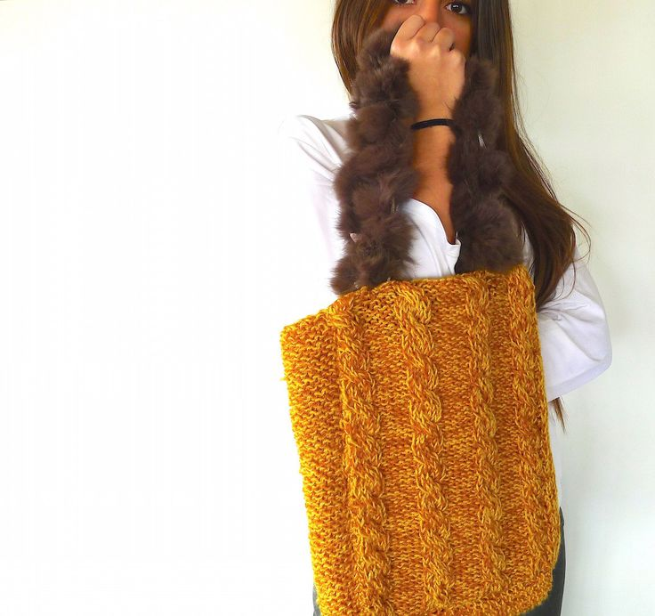 Cable knit tote bag in mustard yellow | Big yellow bag | Shoulder bags for women | Hand knitted bags | Unique handmade bags (85.40 EUR) by KEENbyAM