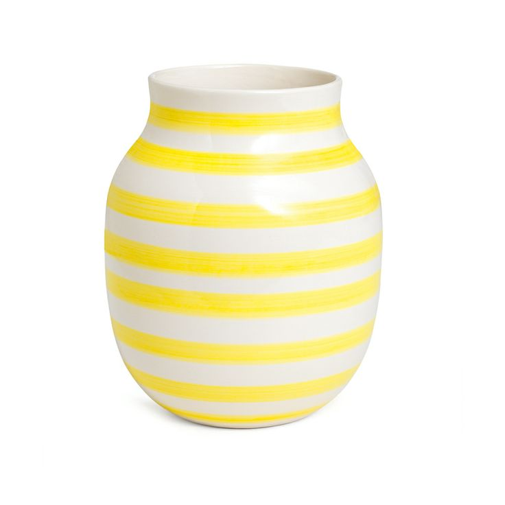 omaggio vase gul medium k hler interior pinterest medium yellow and vase. Black Bedroom Furniture Sets. Home Design Ideas