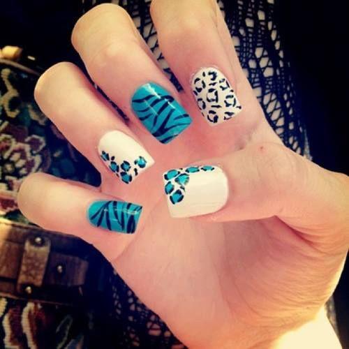 Uñas pintadas con una decoración animal print #cute #uñas #pintadas <3