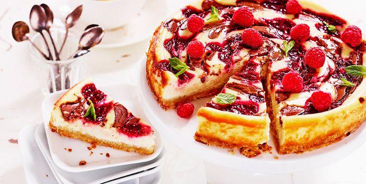 Cheesecake med hallon och nougat - recept från Kungsörnen
