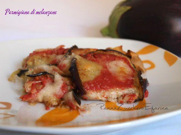 Parmigiana di melanzane e carasau