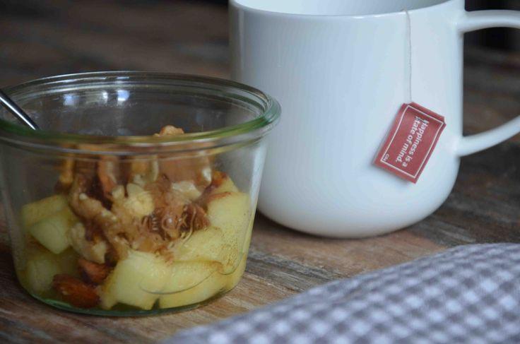 Net zo lekker als appeltaart, maar dan gezonder (geen bloem, boter of suiker) en sneller klaar. Een heerlijk tussendoortje als je zin hebt in...