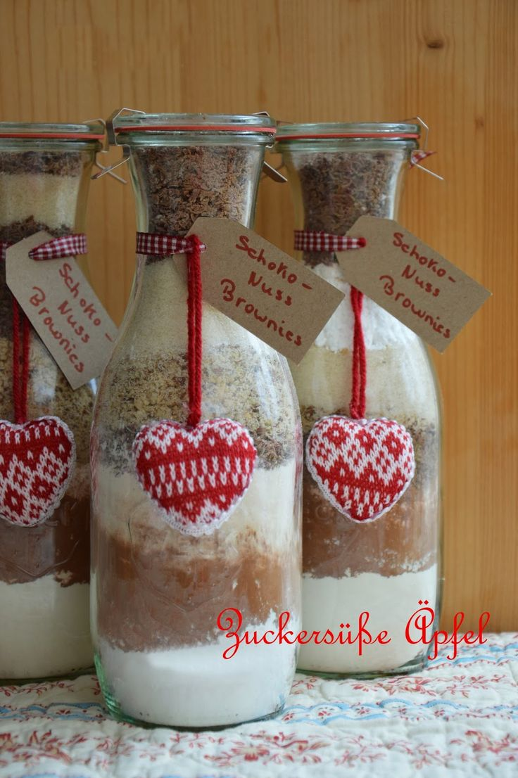 I think I could make these hearts with cross stitch (instead of knitting) - - - ** Zuckersüße Äpfel **: Winterliche Backmischungen im Glas...(Yummy DIY)