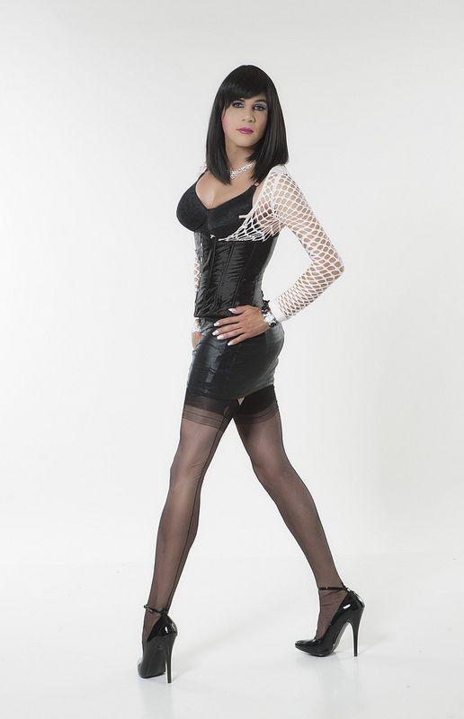 Mature crossdresser in extreme high heel-8166