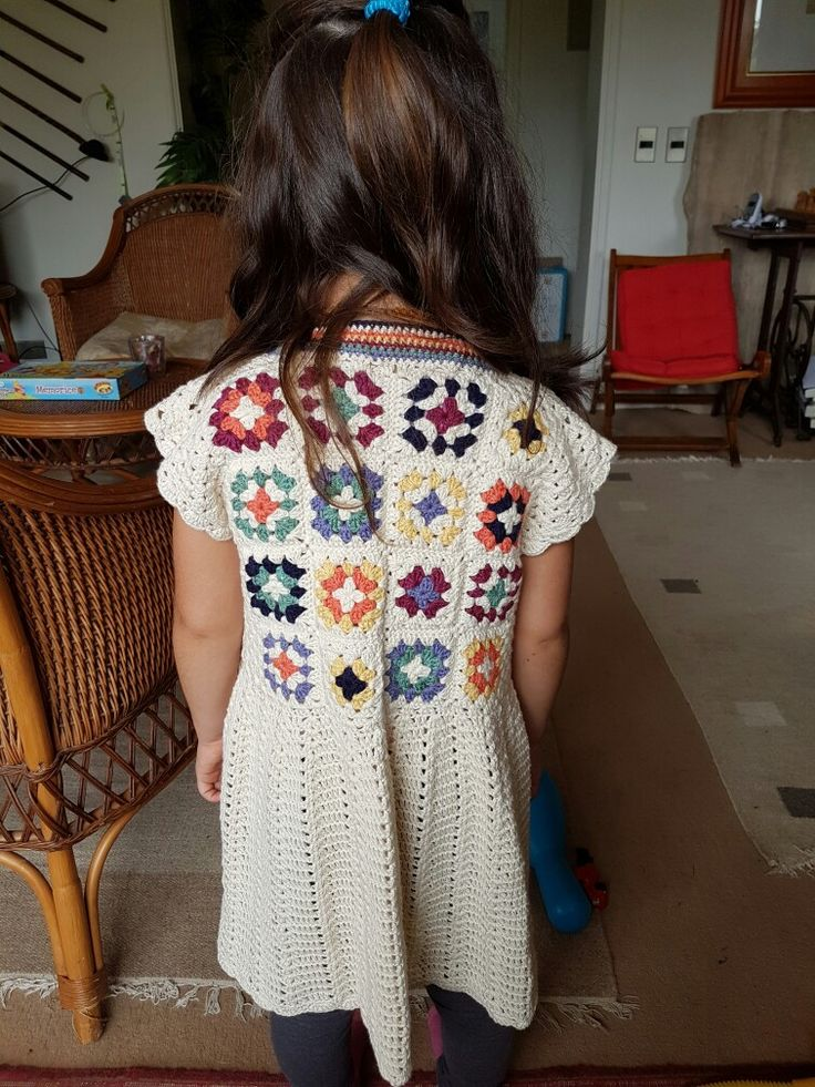 Vestido niña tejido crochet con algodón. Granny square