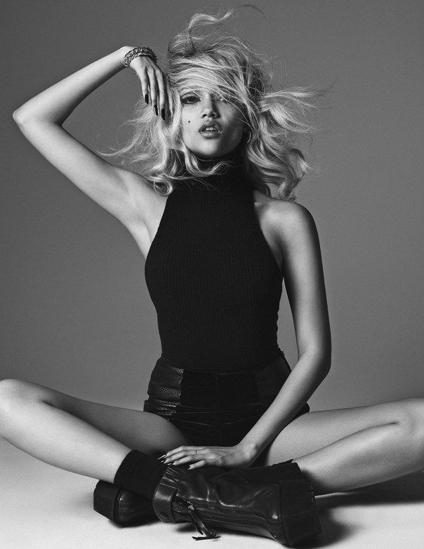 nice The Wild Magazine September 2014   Charlotte Carey by Hong Jang Hyun  [Fashion]