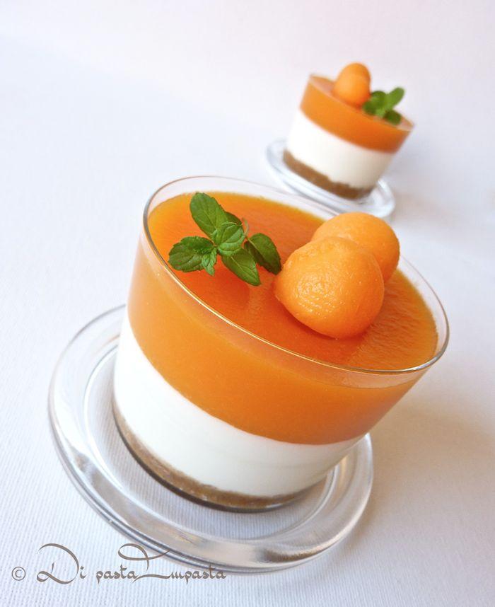 Coppette di cheesecake al melone con agar agar (light... senza burro ne panna).