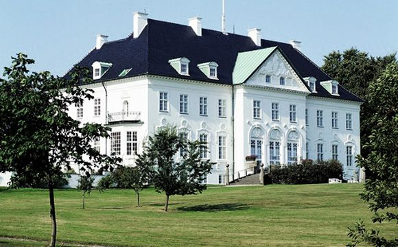 The Queen and Prince Consort have at their disposal Marselisborg in South Århus, which serves as their residence when they are in Jutland. This baroque-inspired palace was built in 1899-1902 by order of Århus City Council and presented to Prince Christian (X) and Princess Alexandrine as a national gift after their marriage in 1898.