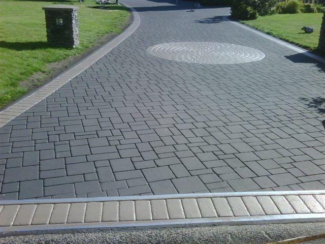 Stamping Asphalt Driveway. / bontool.com