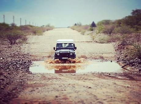 Puddle fun in Namibia. Photo credit: @sandra_van_vugt from @roadtrip2adventure (we miss you ) #landroverlife #exploretheworld #theoutbound #campvibes #campervan #roamtheplanet #staywild #stayandwander #vanlife #landroveroffroad #vanlifediaries #namibia #landroverdefender #carsofinstagram #landroverphotos http://ift.tt/2oSyIQC