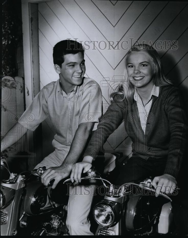 Press Photo Paul Petersen & Janet Landgard on The Donna Reed Show on ABC-TV