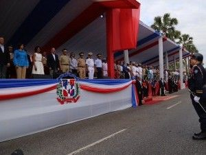 Presidente Medina encabeza Desfile Militar por celebración Independencia Nacional