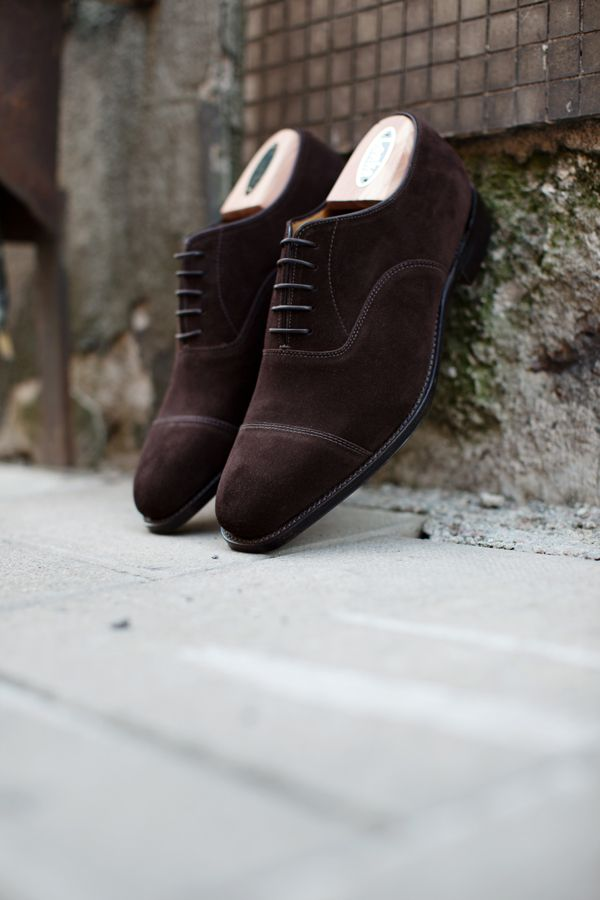 Loake's Premium Grade 1880 Collection  Toecap Oxford in Dark Brown Suede. Hand crafted in Loake's Kettering factory using the very finest leathers. Competes with the best shoes which London's Jermyn Street has to offer.