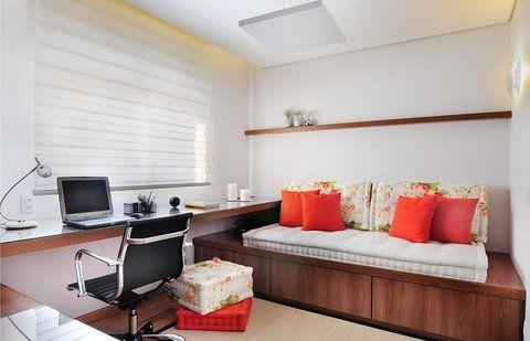 O quarto de hóspedes e escritório é um ambiente multifuncional: a cama serve…
