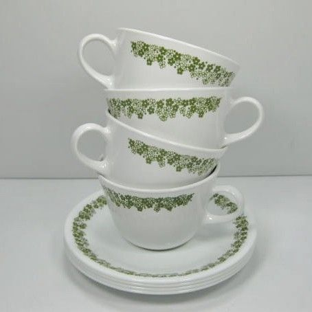 Reminds me of home. <3Green Cups, Corelle Dishes, Corelle Cups, Growing Up, Corelle Spring, Corelle Mi Mom, Corelle Crazy Daisies, Spring Blossoms, Blossoms Green