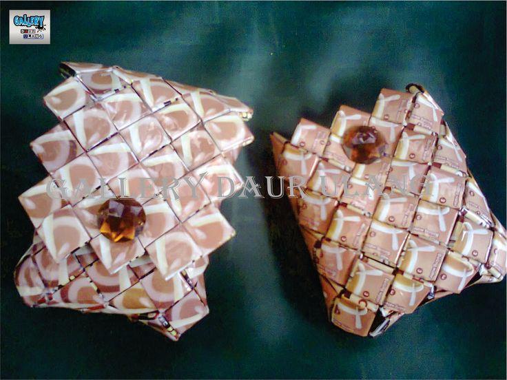 Gallery Daur Ulang: di buat dari bahan daur ulang plastik (plastik kopi)