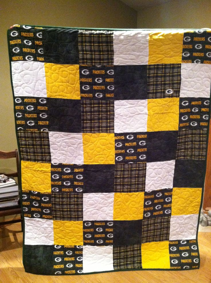 Packer flannel quilt-too bad I can't sew ;-)                                                                                                                                                                                 More