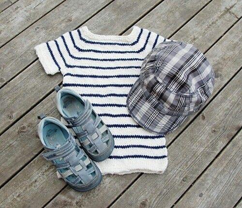 Sommertopp i Pickles' sommerull. Guttestrikk. Breton stripes.