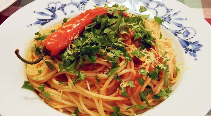 RECEPT SPAGHETTI MET CHILIPEPER EN WODKA #MEATFREEMONDAY